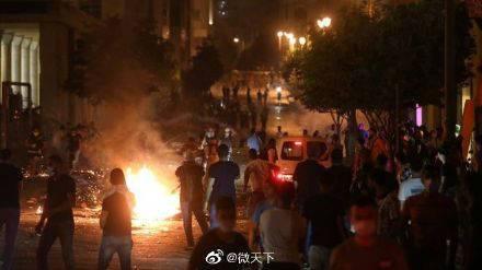 大爆炸后黎巴嫩爆发反政府抗议